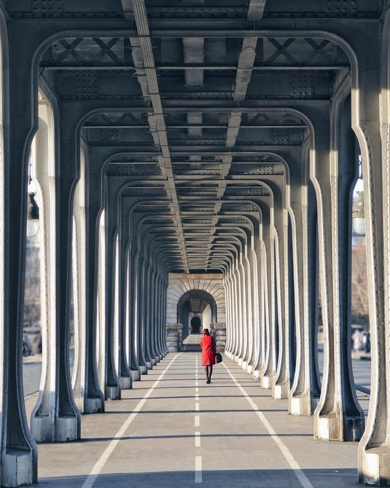 This image has an empty alt attribute; its file name is Pont-de-bir-Hakeim-2.jpg
