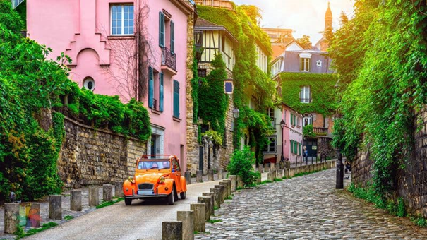 Get Lost In The Streets Of Montmartre