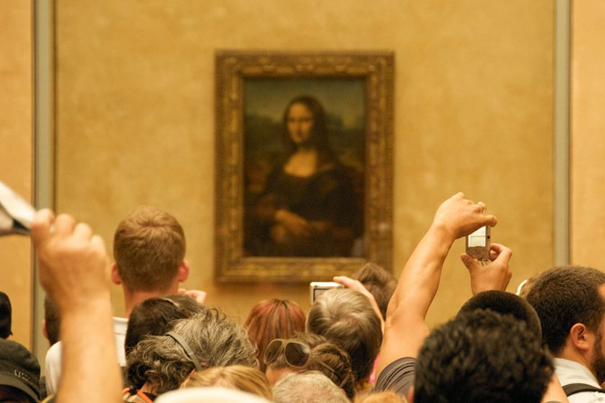 See The Mona Lisa In Place