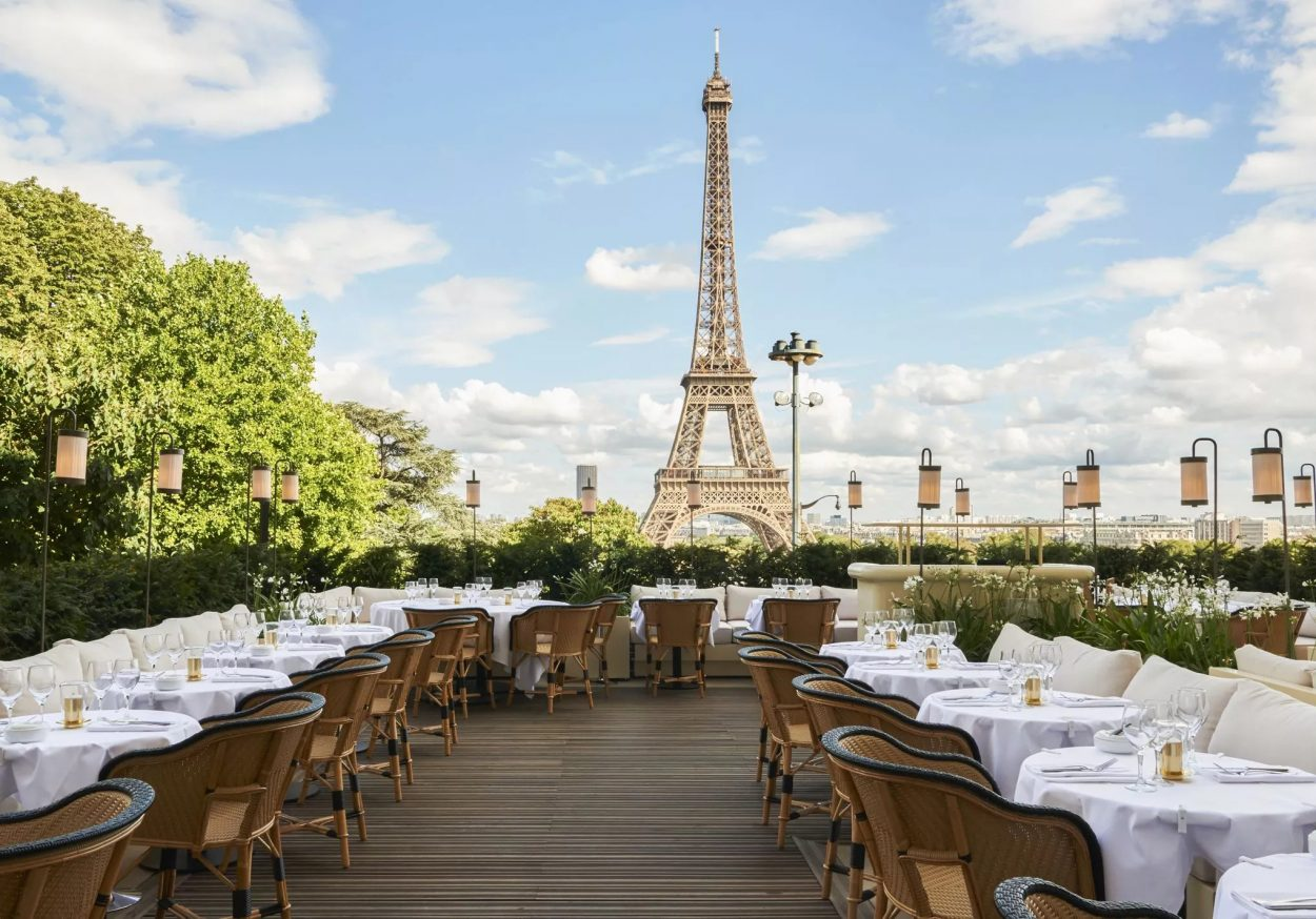 restaurant with eiffel tower view